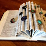 Ye olde dictionary! 4 book hacks to repurpose old books. Use them to display your rings!