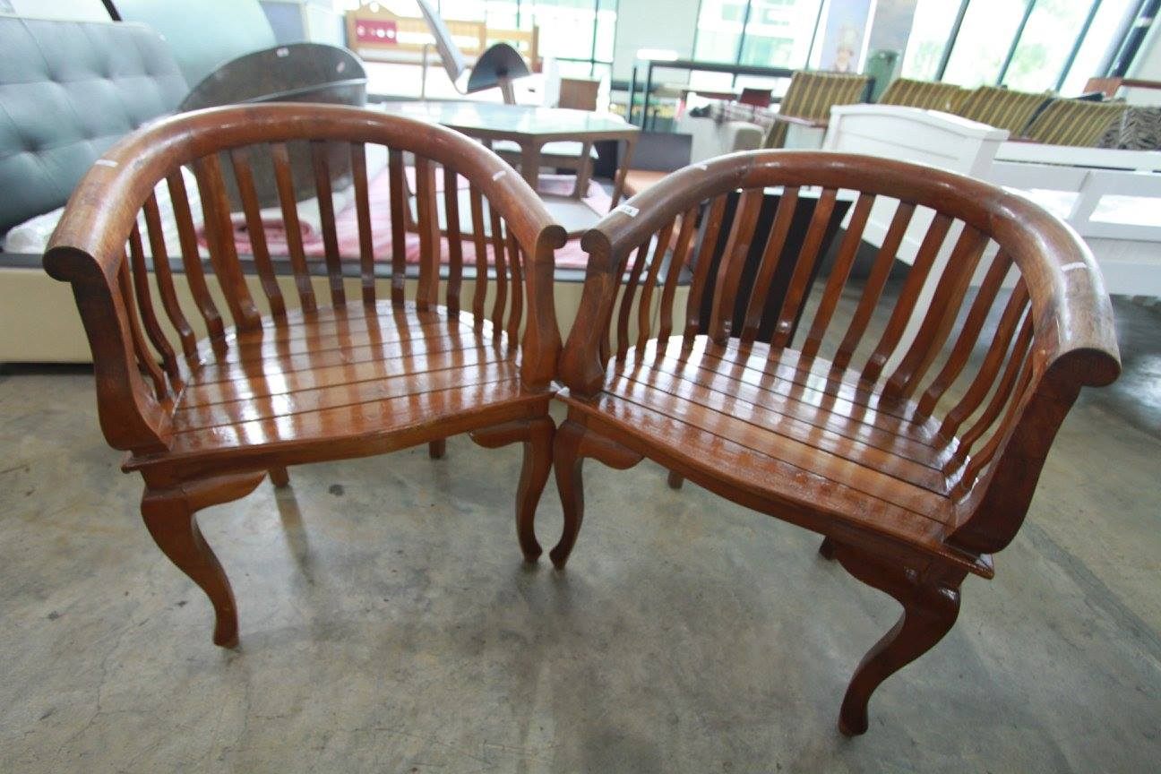 Buying At A Bargain In Singapore  This Pair Of Wooden Horse Shoe Shaped  Chairs Came