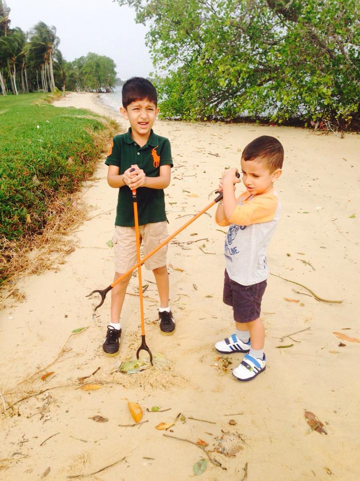 singapore beach clean up with kids