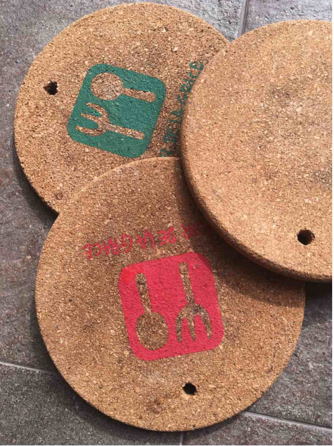 Kids crafts 3 cool ideas to upcycle old cork coasters for Cork coasters for crafts