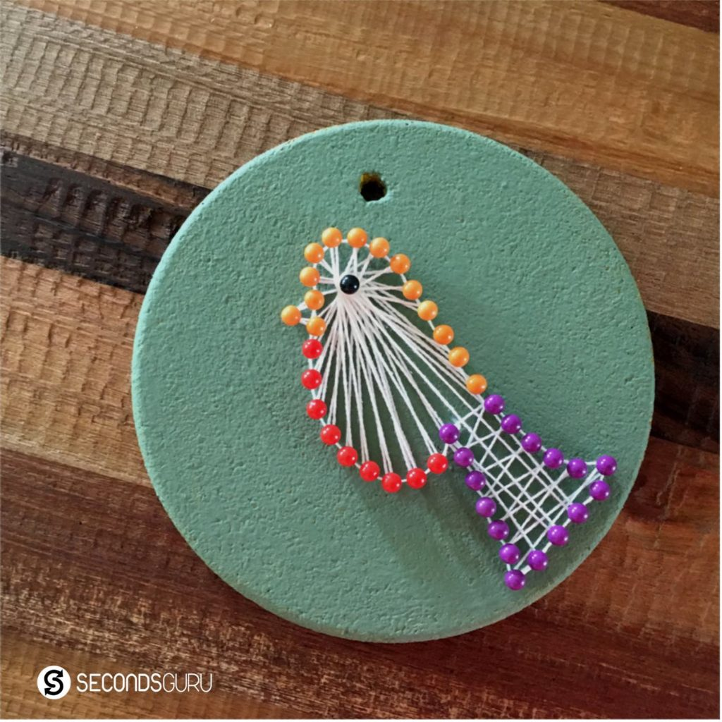 Thread art to upcycle coasters and renew old cork base