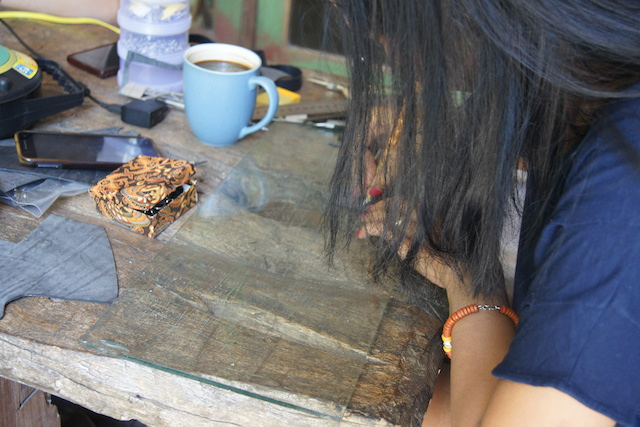 rae amarullah designing upcycled tyre tube accessories in central java
