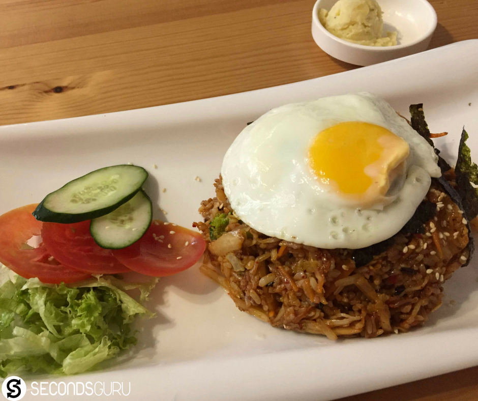 Vegetarian restaurants you must try out in Singapore! Featured here: Boneless Kitchen