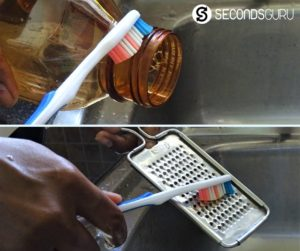 Reusing the Toothbrush as a cleaning tool in the kitchen